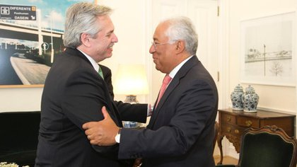 Fernández con el jefe de Estado portugués, Alberto Costa
