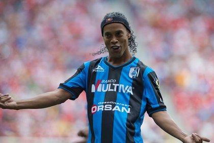 Ronaldinho mandó mensaje a los Gallos Blancos de Querétaro por su 70 aniversario  (Foto: AFP)
