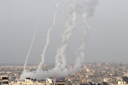Cohetes lanzados desde Gaza contra territorio de Israel (REUTERS/Mohammed Salem)