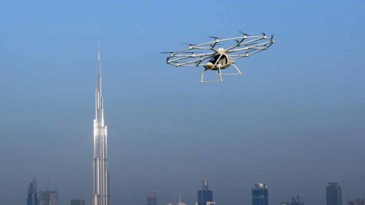 Los drones se usan para hacer fotos, videos y hasta delivery. En el futuro se podrían usar para transporte público.