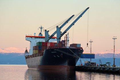 El Argentino II uno de los buques que ve dificultada sus operaciones