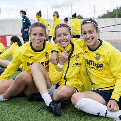 Rubí Soto con sus compañeras en el entrenamiento del Villarreal(Foto: Instagram@cvffemenino)