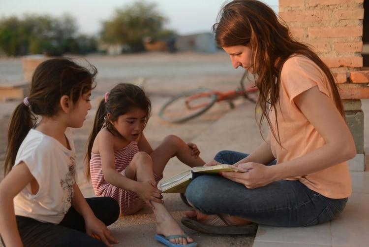 Hornos dejó Recoleta para viajar a combatir la desnutrición infantil en Santiago del Estero