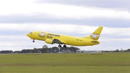 Uno de los aviones ploteados por Meli en Brasil