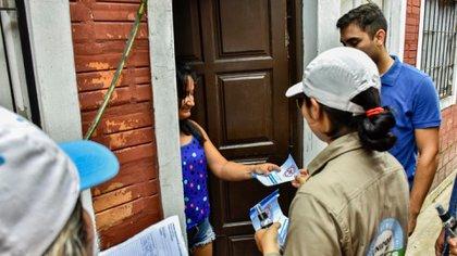 El Ministerio de Salud de Jujuy empeña esfuerzos en la búsqueda de cuadros febriles casa por casa (Reuters)