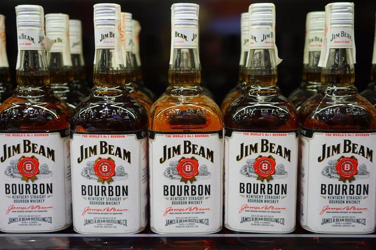Una fábrica de Jim Beam se incendió la semana pasada, lo que provocó el derrame del licor (Foto: Pxhere)