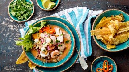 Una de las mejores formas de conocer y adentrarse en una cultura es sin dudas a través de sus comidas (Shutterstock)