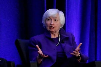 Foto de archivo de la expresidente de la Reserva Federal de EEUU, Janet Yellen, hablando en un foro en Atlanta, Georgia Ene 4, 2019.  REUTERS/Christopher Aluka Berry