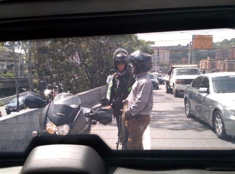 Automovilistas tomaron fotos desde sus vehículos