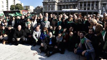 La foto reunió a los dirigentes que están a favor del aborto legal (Adrian Escandar)