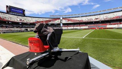 La TV Pública volverá a emitir algunos partidos de la Primera División (Foto: Nicolás Aboaf)