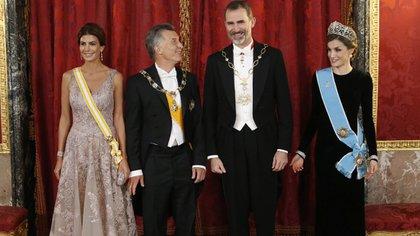Juliana Awada, Mauricio Macri, Felipe VI y la reina Letizia (AFP)