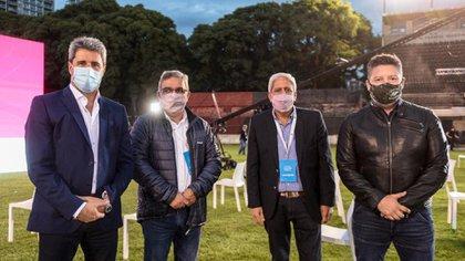 El gobernador Uñac, junto al intendente de Tigre, Julio Zamora y el intendente de Merlo (derecha), Gustavo Menéndez