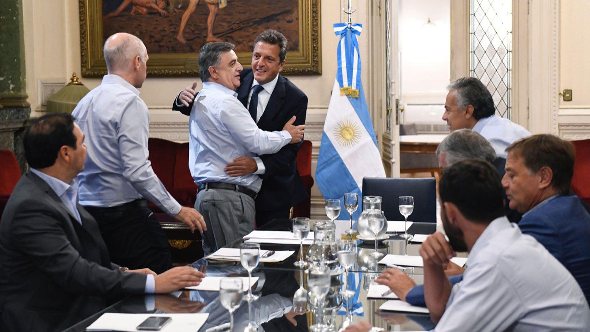 Massa y Negri en el medio de la discusión por las PASO