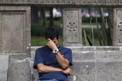 """El 66 % de los encuestados indicó que la respuesta de las autoridades a la pandemia de COVID-19 es una """"fuente importante"""" de estrés. EFE/Sáshenka Gutiérrez/Archivo"""