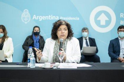 Durante el encuentro presencial del Consejo Federal de Salud (COFESA) presidido por la Ministra de Salud, Carla Vizzotti, se analizó la situación epidemiológica de COVID-19, la continuidad del Plan de Vacunación y la posibilidad de postergar la segunda dosis.
