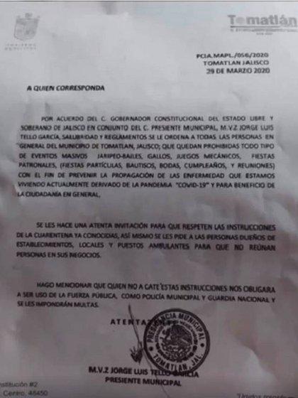 Comunicado del municipio de Tomatlán donde se anuncia el toque de queda (Foto: Especial)