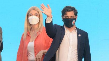 Axel Kicillof y Verónica Magario (Foto: Aglaplata)