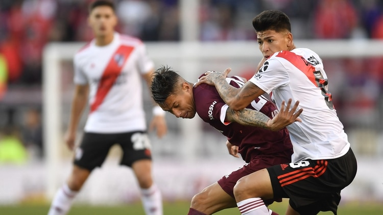 River Plate y Lanús se enfrentan en el estadio Monumental de Núñez por la segunda fecha de la Superliga, con arbitraje de Germán Delfino. (Foto: Alejandro Santa Cruz / Télam)