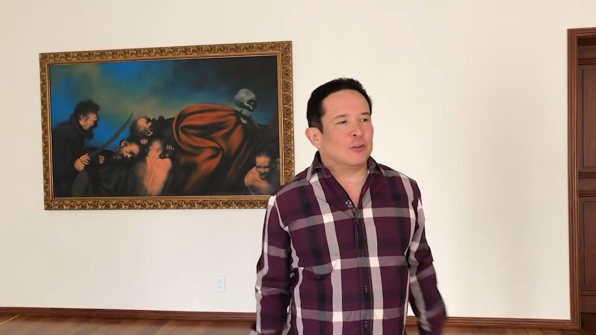 El periodista mostró el gran cuarto en donde la ex pareja presidencial compartían cama(Foto: Gustavo Adolfo Infante)