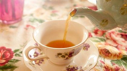 Preparar el té, un arte que se mantiene vivo (Istock)