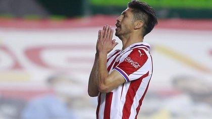 La oferta de Chivas que puso a Oribe Peralta a pensar en su retiro