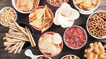Cuando los alimentos son de origen natural por lo general no tienen grandes cantidades de sodio (Getty Images)