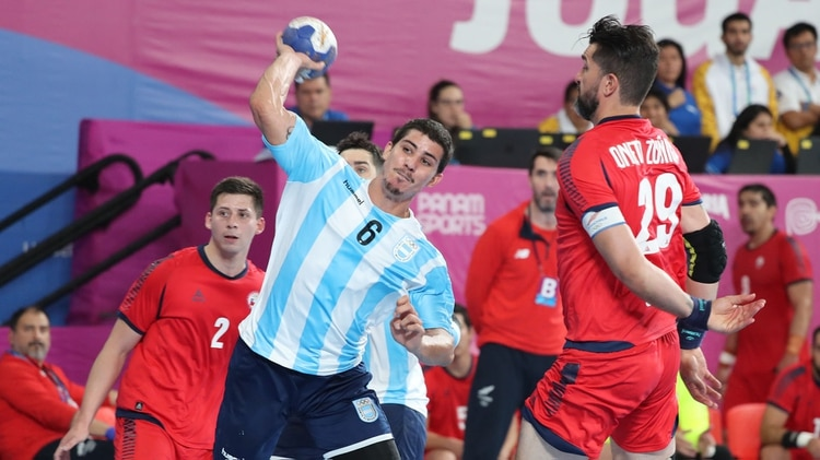 El equipo de Manolo Cadenas logró el doble objetivo: campeón panamericano y clasificación a los Juegos Olímpicos de Tokio 2020 (REUTERS/Sergio Moraes)
