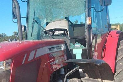 Los camiones de la empresa fueron atacados a piedrazos (captura TN)