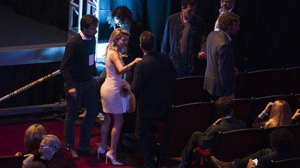 Fabiola Yáñez estuvo presente en el segundo debate presidencial con un vestido jackie