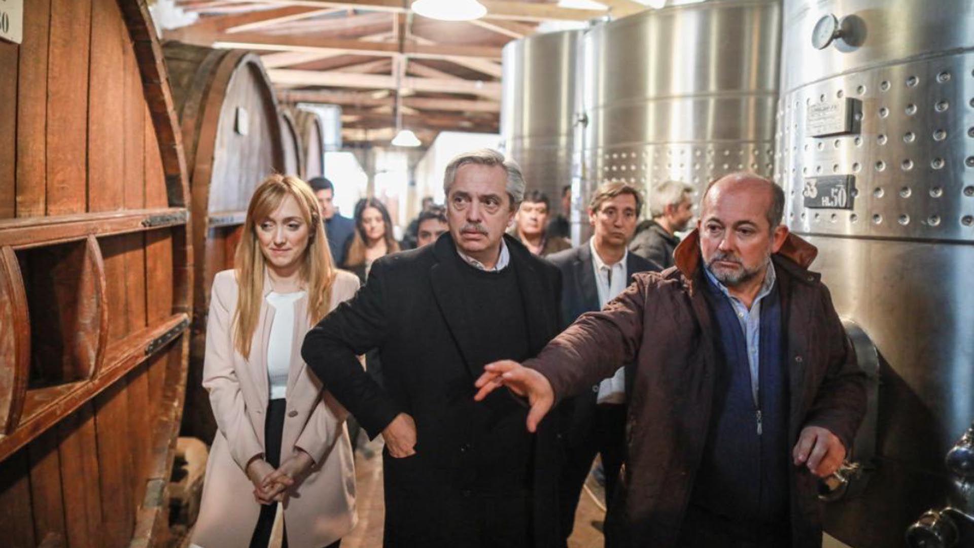 Alberto Fernandez junto a Anabel Fernández Sagasti en Mendoza