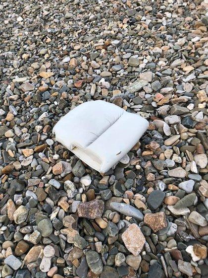 Otro cojín, hallado por Camille Leblond en otra playa cercana