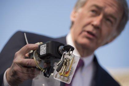 Una falla en la llave de encendido de 5,8 millones de unidades le costó casi cinco millones de dólares a GM (Jim Watson/AFP)
