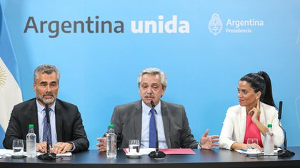 Alberto Fernández, el viernes, durante el anuncio del aumento de jubilaciones