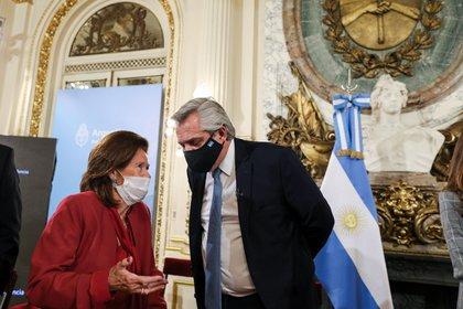Alberto Fernández con la ministra de la Corte Elena Highton al presentar la reforma (foto Presidencia de la Nación)