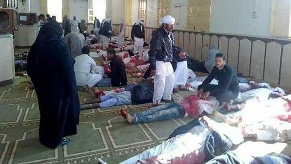 El ataque tomó por sorpresa a los fieles en Al Arish