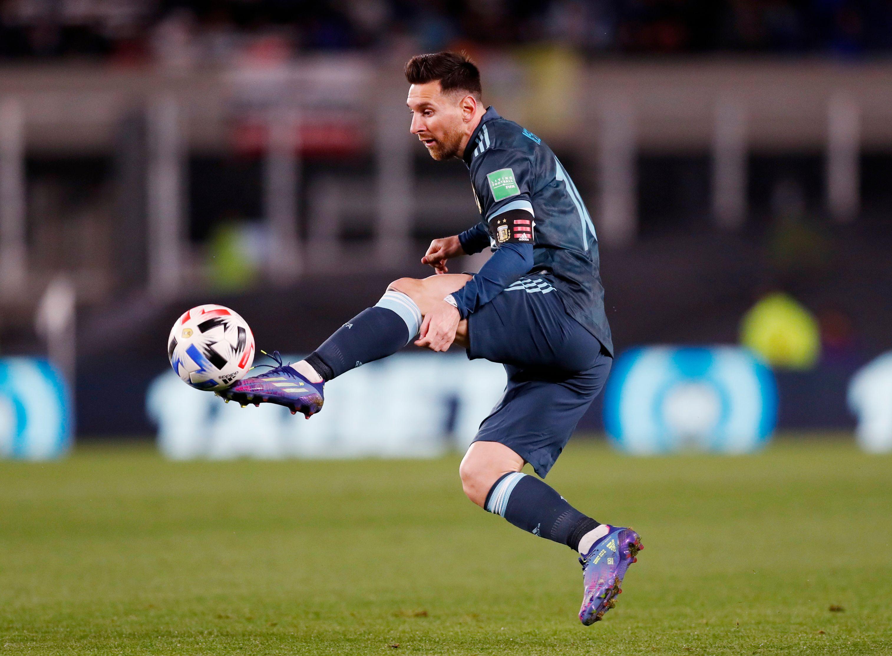 Otra perla de Lionel Messi que suma 153 encuentro con la camiseta argentina a nivel mayores