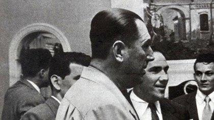Juan Perón en Paraguay, poco antes de dar una conferencia de prensa