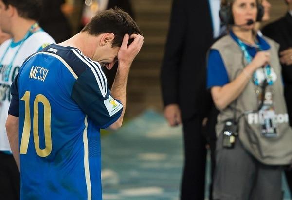 Messi, también de azul, no pudo en Brasil 2014