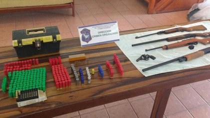 Armas incautadas en el domicilio de Pipinas, provincia de Buenos Aires