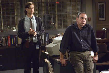 "Mandy Patinkin en una escena de la serie forense ""Criminal Minds"""