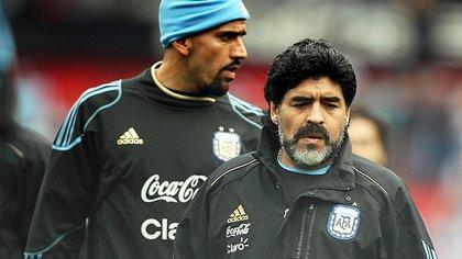 Maradona y la Bruja en la Selección (Foto: EFE)