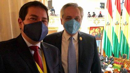 Alberto Fernández y Andrés Arauz en La Paz durante la asunción de Luis Arce