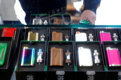 Cigarrillos electrónicos. Foto: REUTERS/Kai Pfaffenbach