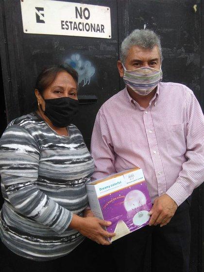 Vive con su esposa en la Zona 5, donde se dedica confeccionar zapatos de mujer (Foto: Twitter@FabioVa69683203)