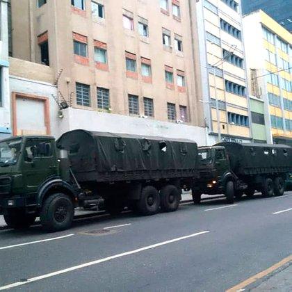 """""""Hoy se revelan como lo que son: una dictadura que secuestró el palacio federal"""", dijo Guaidó (@AsambleaVE)"""