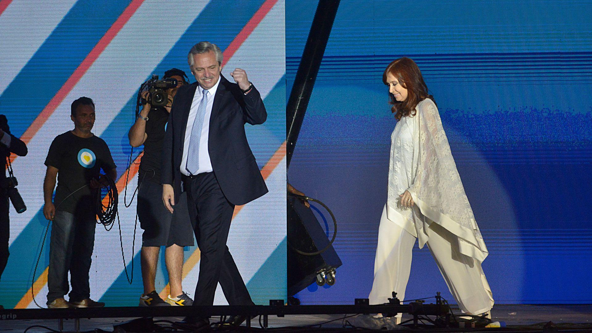 Alberto Fernández y Cristina Fernández de Kirchner durante la asunción presidencial del 10 de diciembre de 2019. (Gustavo Gavotti)