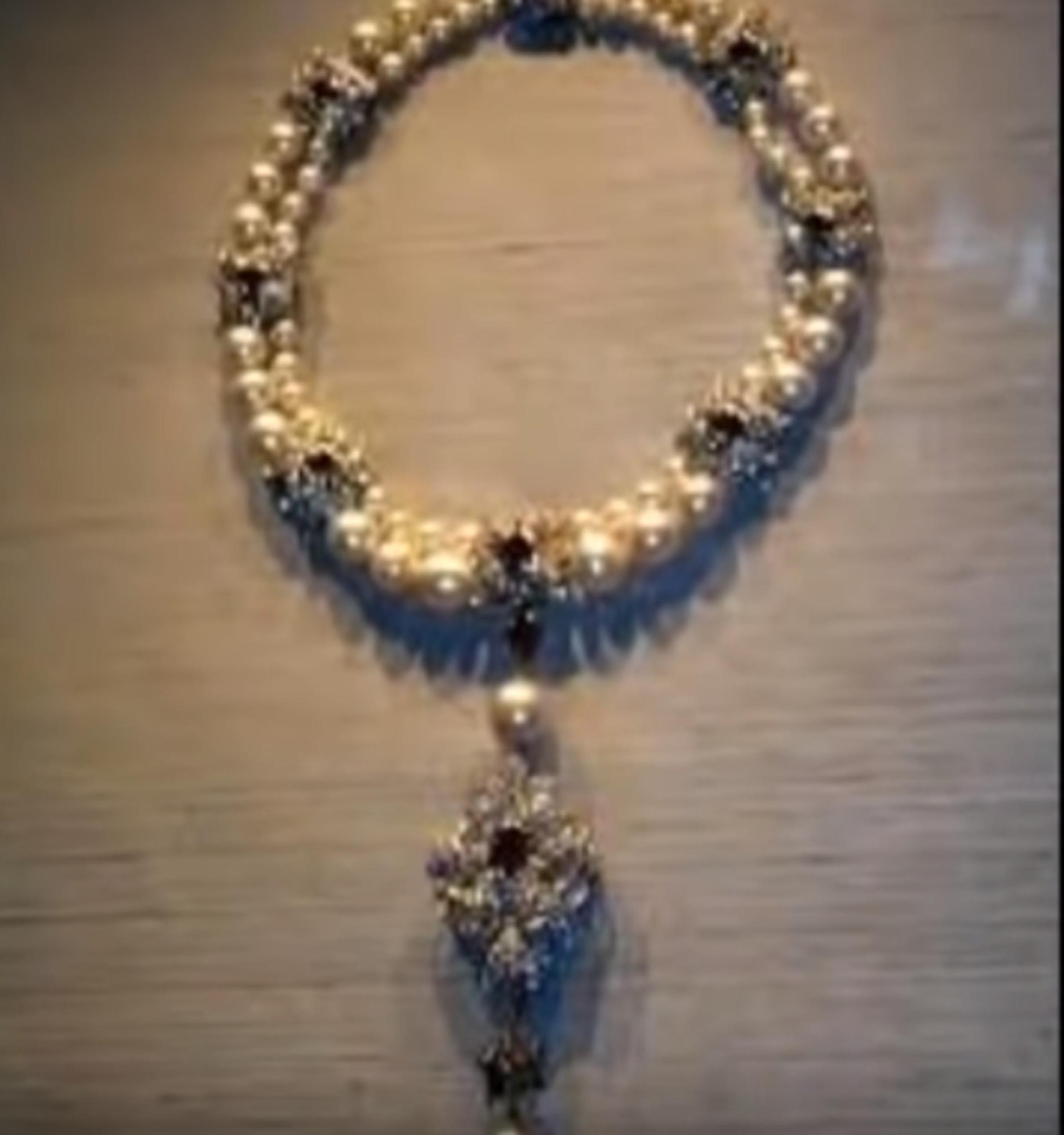 El collar de perlas que Germana de Foix legó a su hija no reconocida