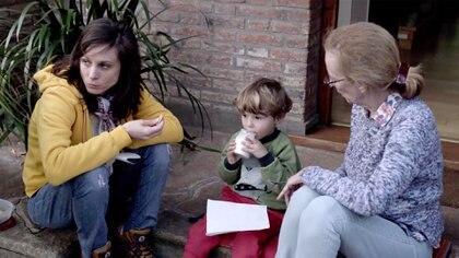 En la película de Romina Paula aparecen su madre y su hijo