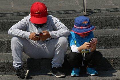 La reforma obliga a todos los usuarios a registrarse en el padrón o no poder usar una línea celular (Foto: Cuartoscuro)